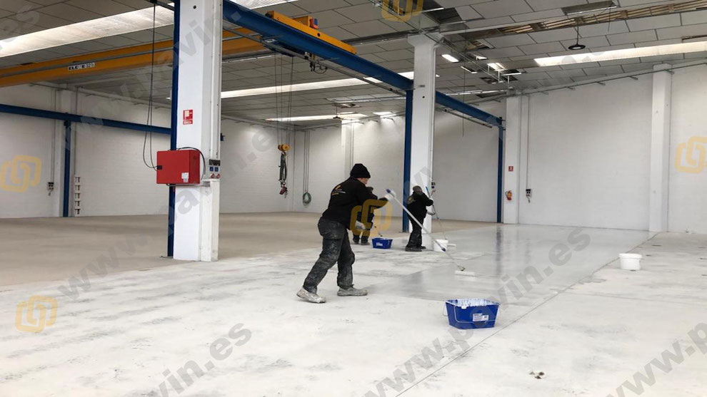 For proper storage, you need an industrial warehouse with a good continuous floor that meets all the necessary conditions to supply all products, although not all warehouses work for all types of products.
