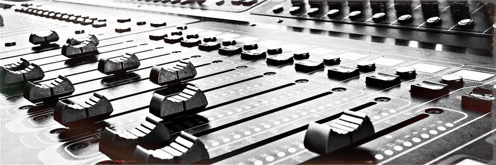 Fader Mischpult Das Michels Mixing Studio www.jensmichaelis.com