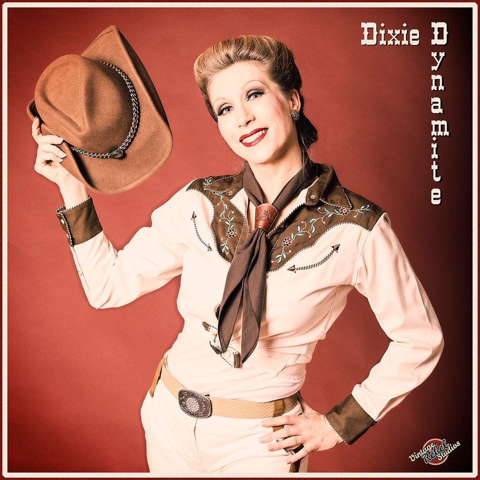 Silvia Plankl aka Dixie Dynamite als Cloggerin - Western-Steptänzerin