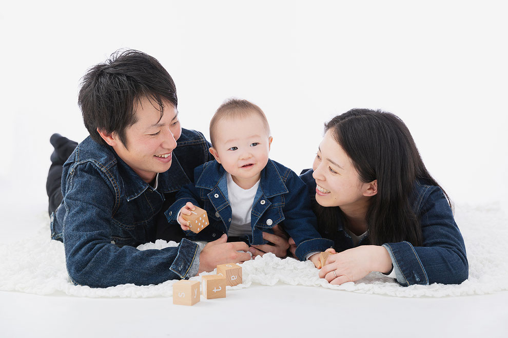 おしゃれな衣装で家族写真を撮るにはリンクコーデがおすすめ