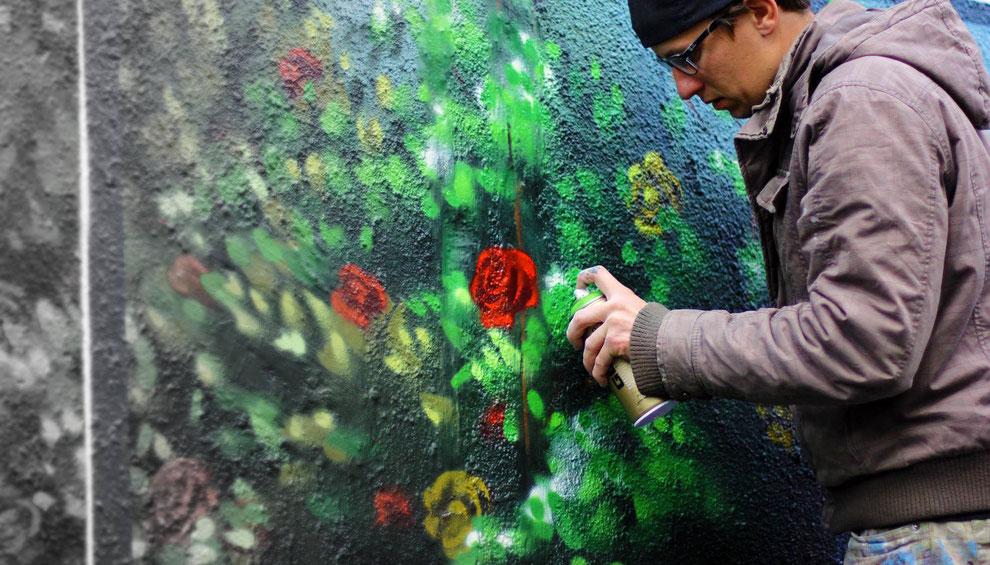 In Bernau bei Berlin haben wir ein Stromhaus verwandelt mit bunten graffiti natur und landschaft