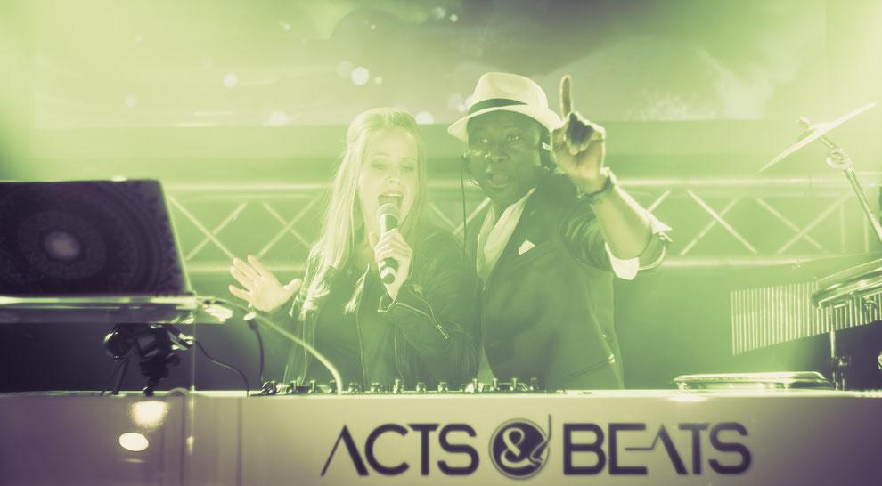 Künstleragentur für DJs, Sängerinnen und Livemusiker aus NRW