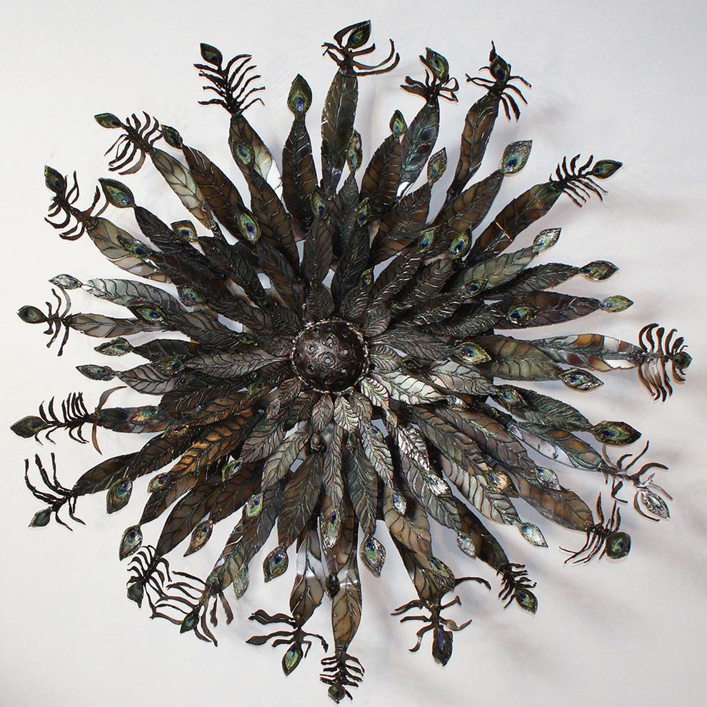 sculpture en métal et émaux - le paon