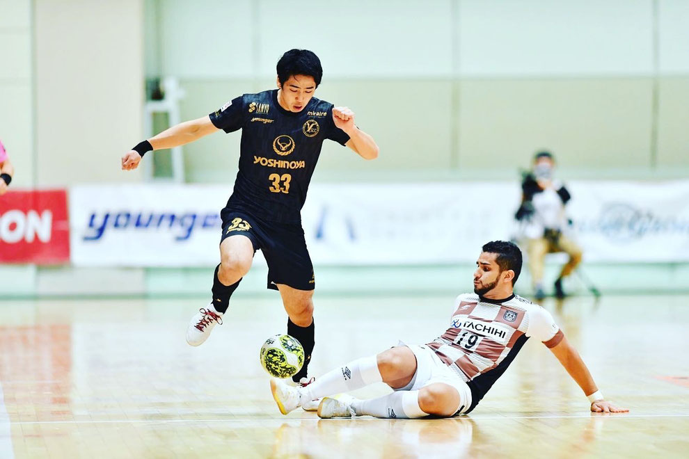 女子トップチーム監督:Y.S.C.C.横浜フットサル(Fリーグ Division 1) No.33   笠 篤史(Atsushi Ryu)