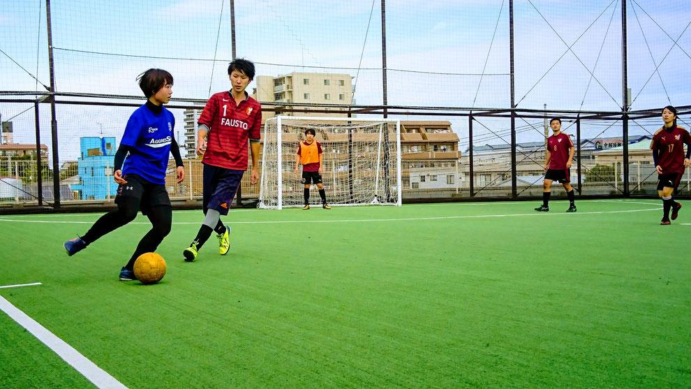 蹴舞(上)、BGR(下)の女性プレーヤーは、全試合フル出場。チームに大きく貢献した。