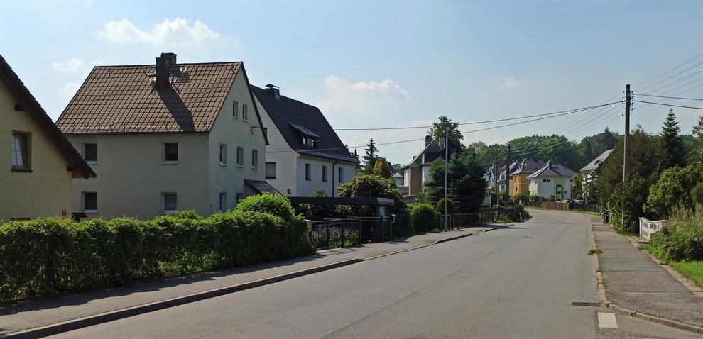 Chemnitz-Glösa-Draisdorf: Blick auf Wohngebäude entlang der Slevogtstraße