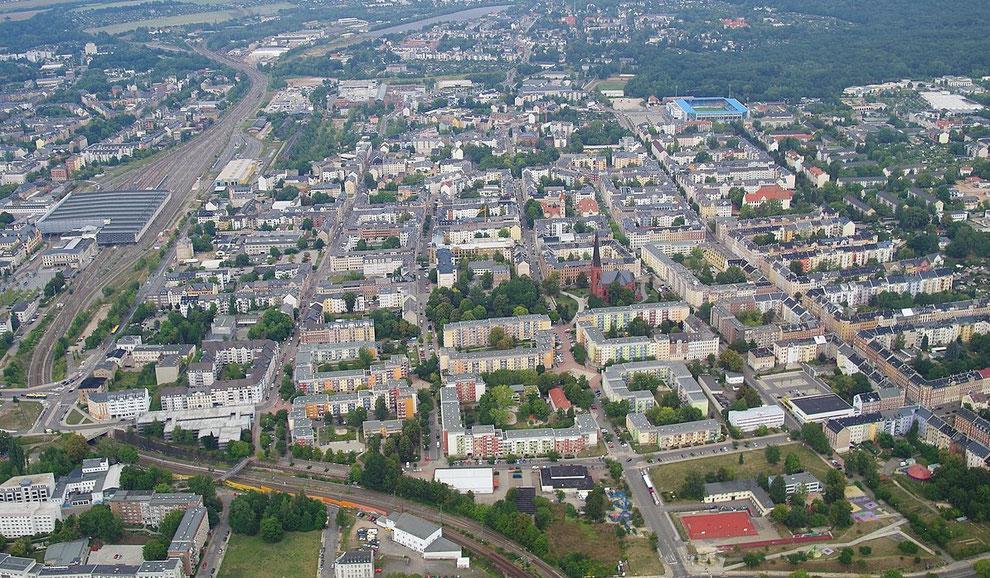 Foto: Lord van Tasm | Quelle: https://de.wikipedia.org/wiki/Chemnitz-Sonnenberg#/media/Datei:Sonnenberg_2_Luftaufnahme.jpg | CC BY-SA 3.0