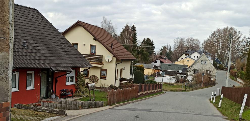 Chemnitz-Stelzendorf: Blick auf Einfamilienhäuser entlang der Stelzendorfer Straße
