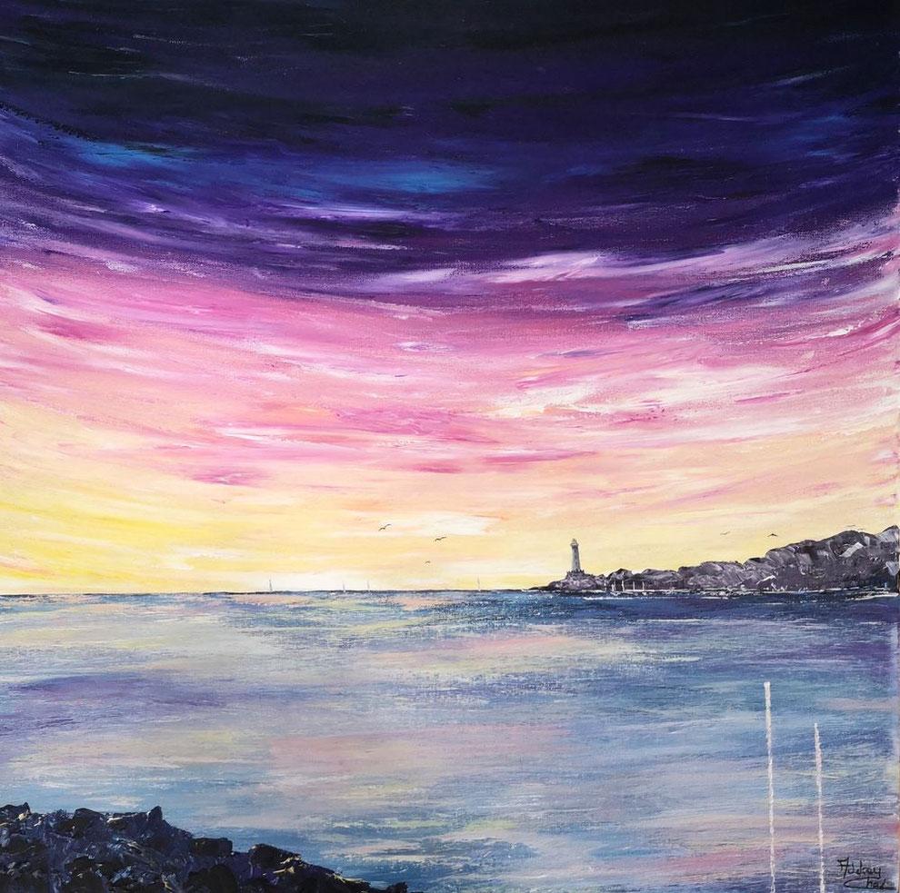 tableau-carre-coucher-de-soleil-sur-ocean-ciel-violet-rose-jaune-phare-mer-Audrey-chal-artiste-peintre-francaise-charente-maritime