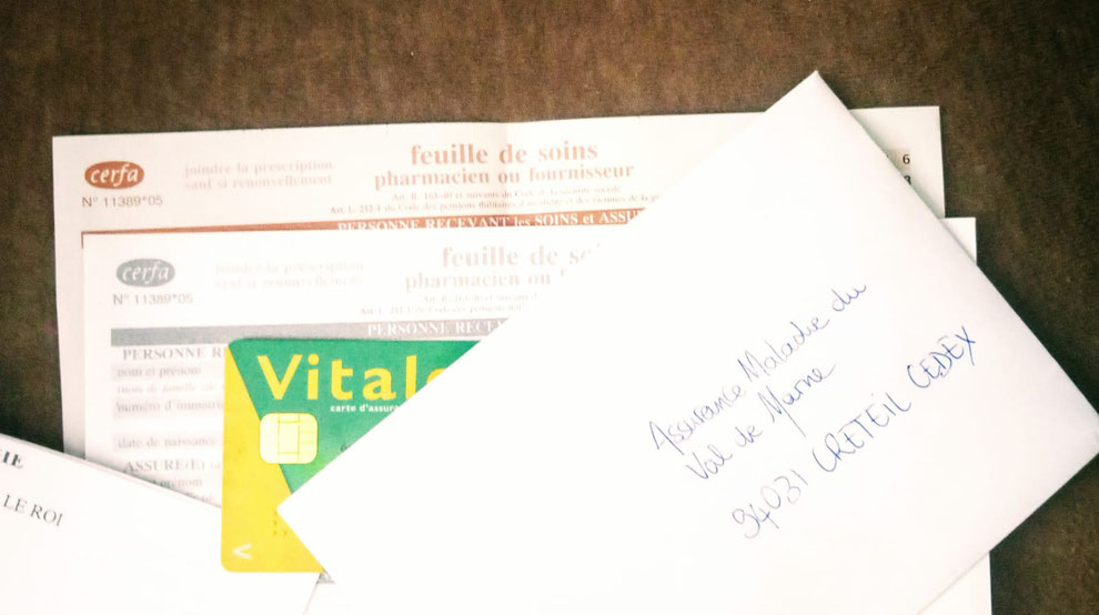 carte vital, feuille de soin et enveloppe