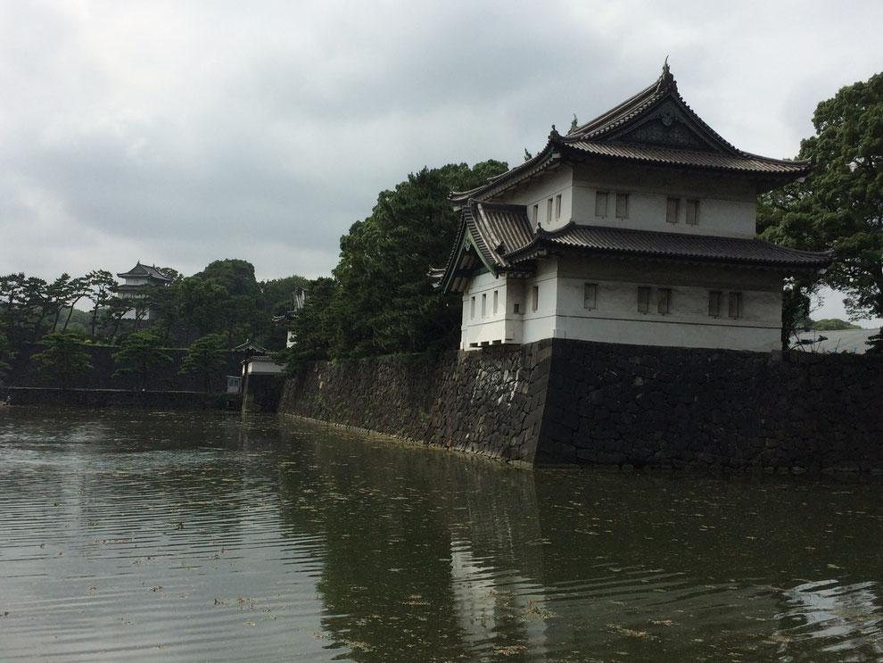 日本最大の城「江戸城跡(皇居)」をぶらっと散歩! - ぶらっと東京 ...