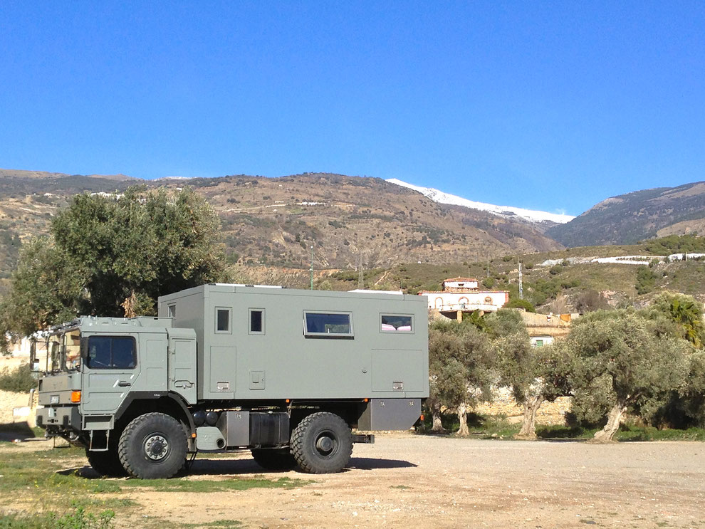 expedition vehicle overland travel sierra nevada spain europe overlanding expedition truck camper van expedition camper Allrad-Reisemobil, Off-Road-Wohnmobil, Weltreisemobil, Fernreisemobil, LKW-Reisemobil, Allrad-Expeditionsmobil,high altitude x-vehicle