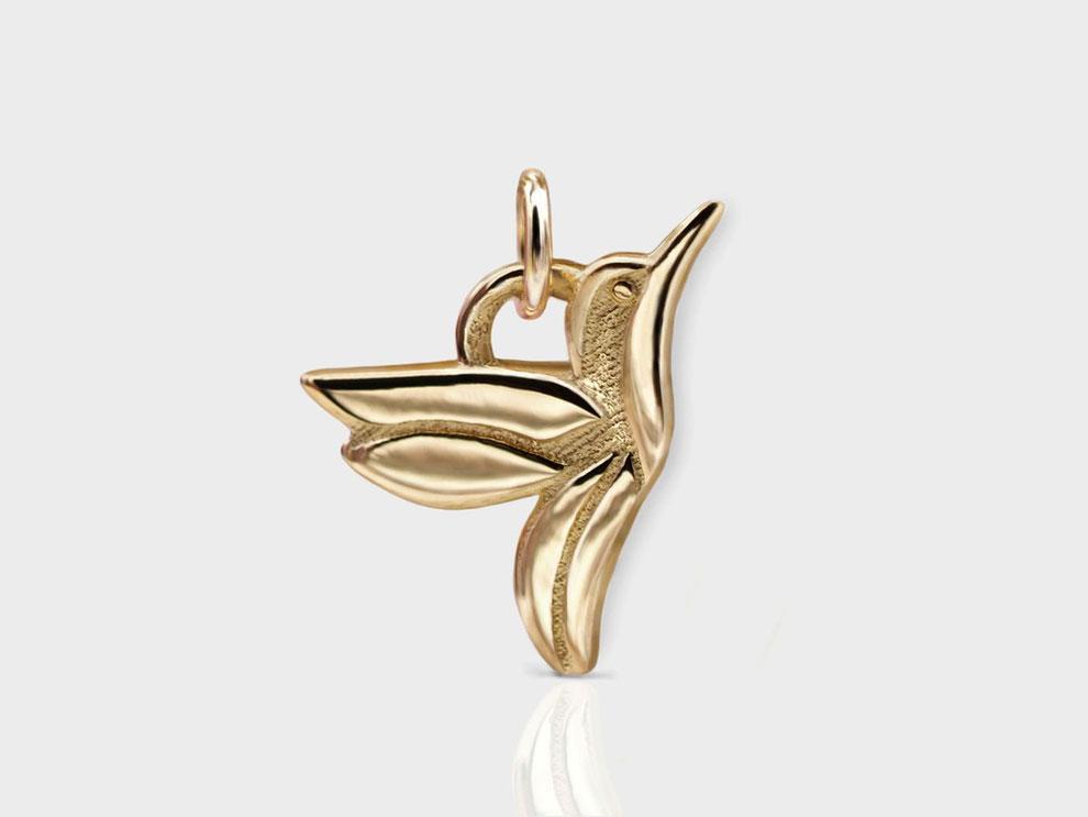 "<img src=""/Sehr-zarte-Goldkette-Kolibri-Vogel-Anhänger-filigraner-Goldschmuck.jpg"" alt=""Sehr zarte Goldkette 750er Gelbgold mit Kolibri Vogel Anhänger filigraner Goldschmuck"">"