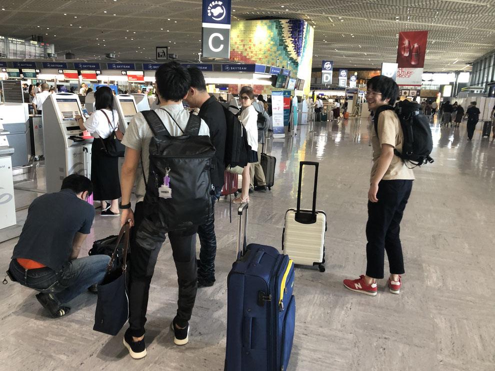 成田空港にて 出発当日の様子