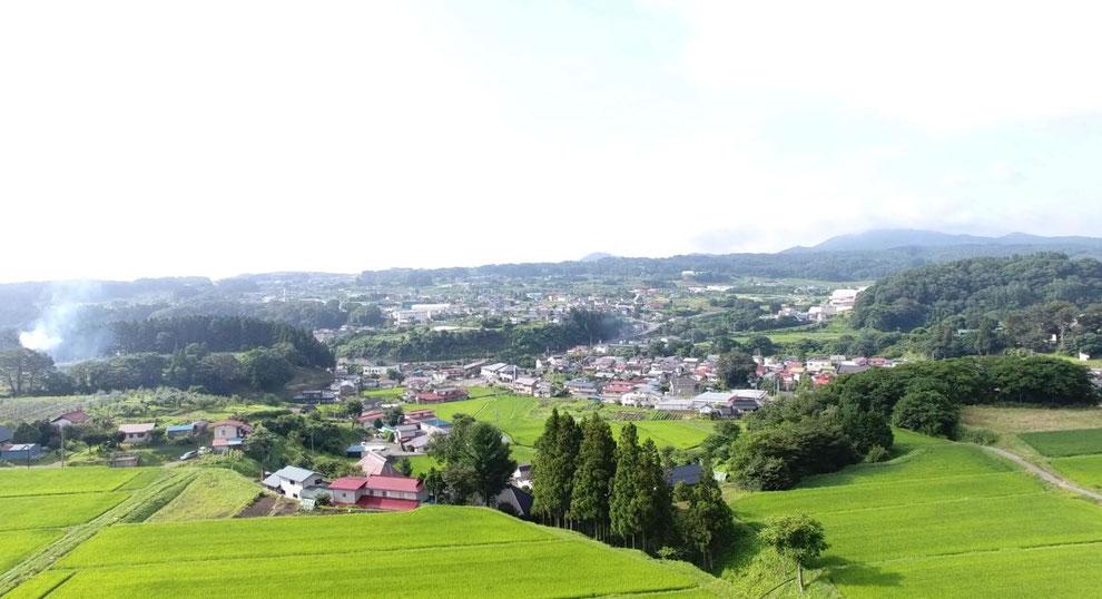 飯綱町ドローン空撮映像です、手前は普光寺地区、奥は牟礼地区になります