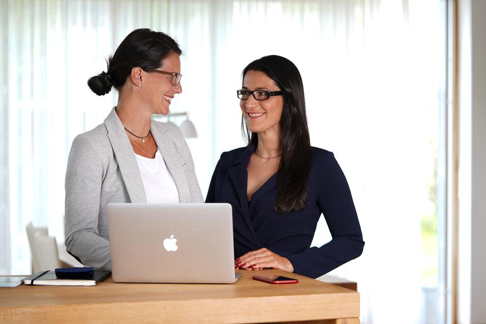 Meral Kalyoncuoglu und Simone Göbel - freie Finanzierungsberaterinnen in Würzburg