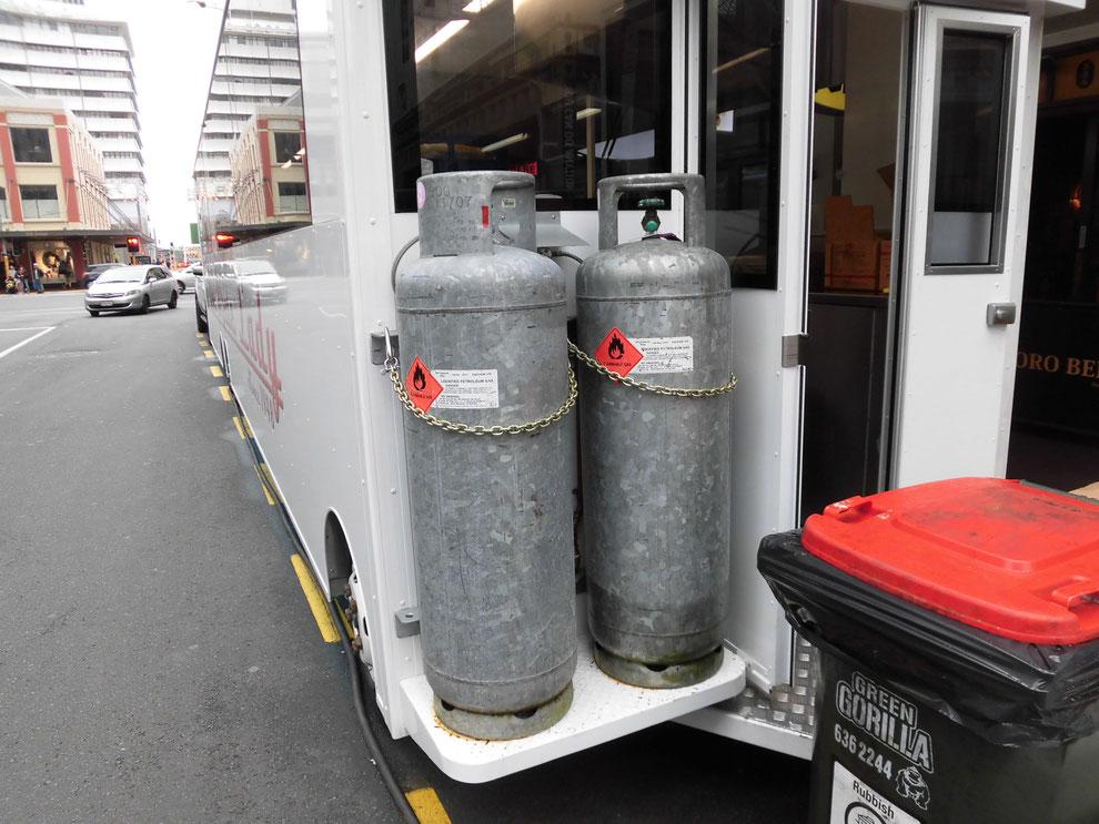 ニュージーランドのガスボンベは亜鉛メッキだった