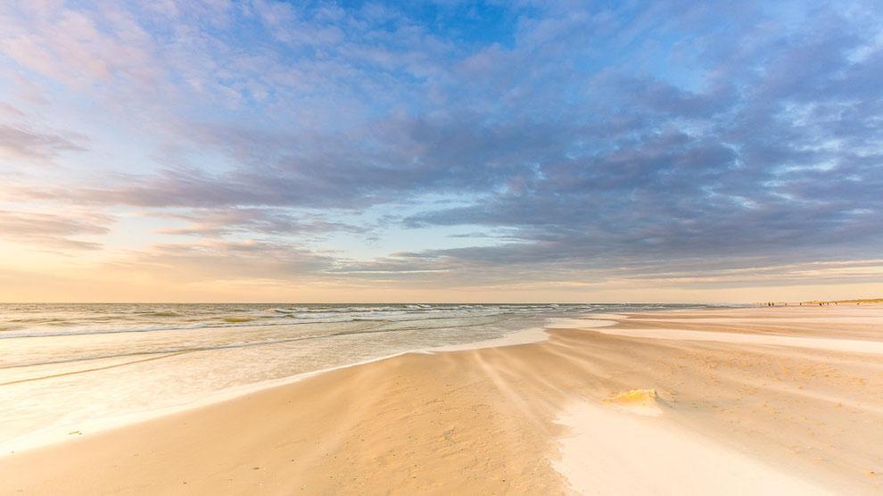 Sunset strand Midsland aan Zee, Terschelling © JurjenVeerman
