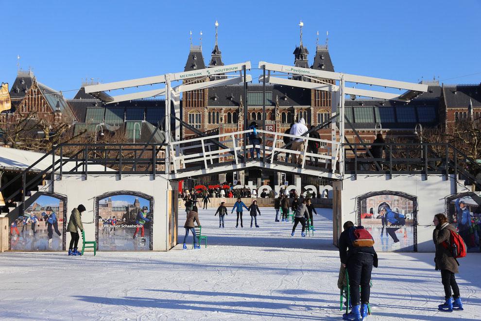 Eislauffläche Ice* Amsterdam auf dem Museumplein