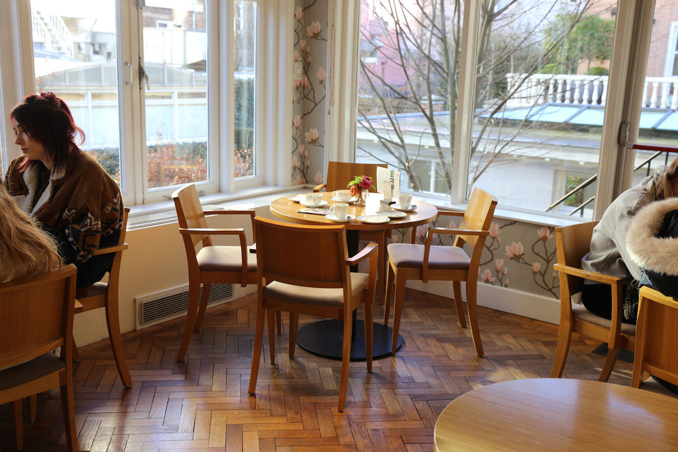 Café im Taschenmuseum Amsterdam, moderner Bereich