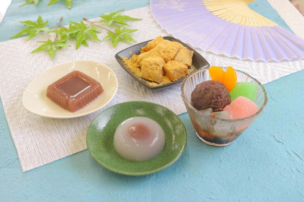 6月初旬から9月下旬までの期間限定のあんこ屋の夏のお菓子です。