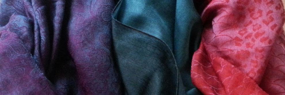 Fein-zarte Kaschmir Schals, Paisley -  oder Leo - Muster, Changiereffekt, viele Farben