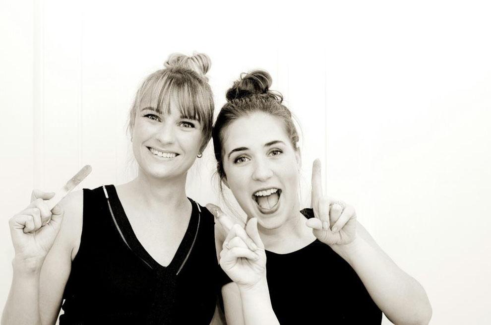 Isabelle and Celine - Le Boudoir