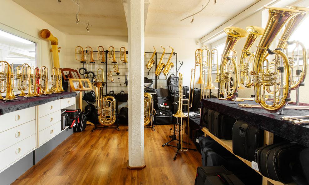 Bild von Ausstellungsraum mit allen Instrumenten