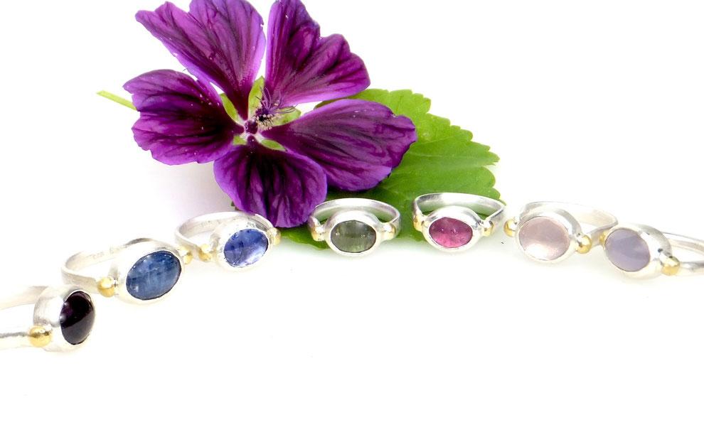 handgefertigte Silberringe mit Edelsteinen