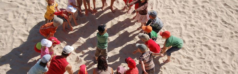 spielende Kinder Kooperation