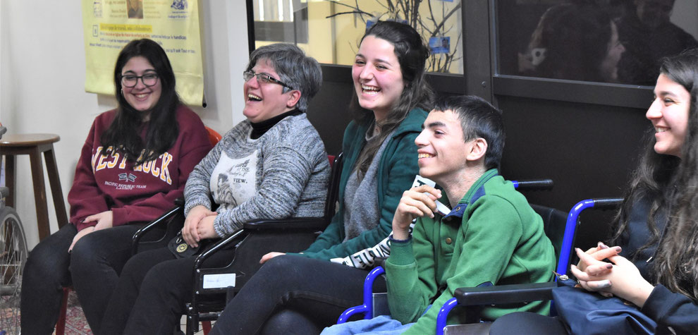 Elèves écoles Liban et jeunes atteints de handicap au Foyer