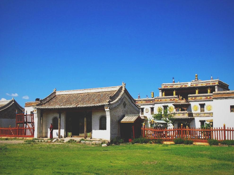 bigousteppes mongolie temple moine