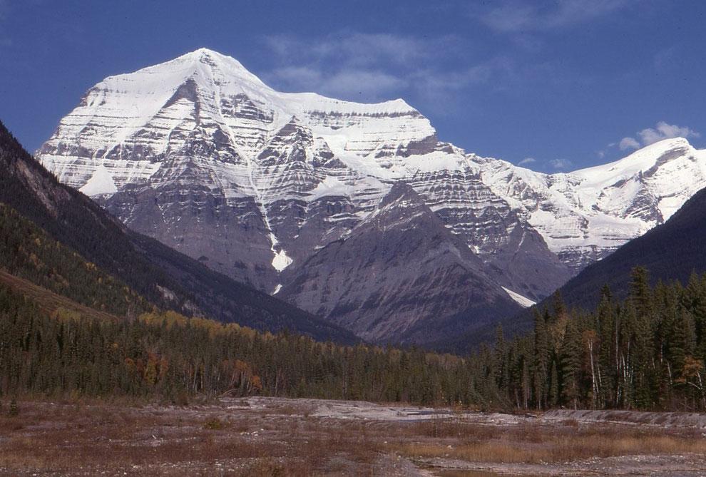 これは、ロブソン山です。ロッキー山脈の最高峰です。