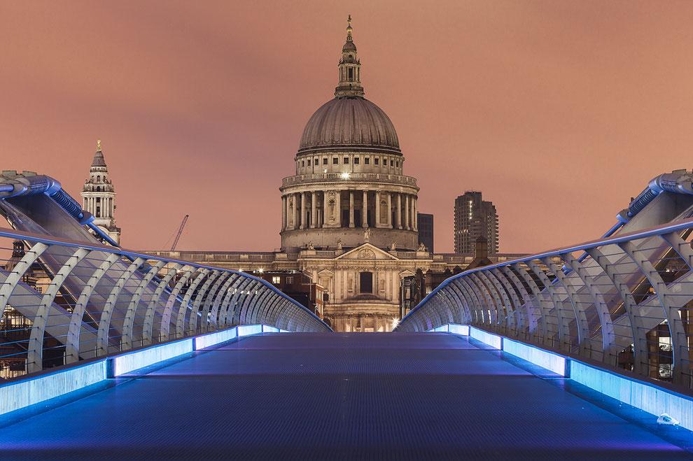 St. Pauls's von der Millenium Bridge