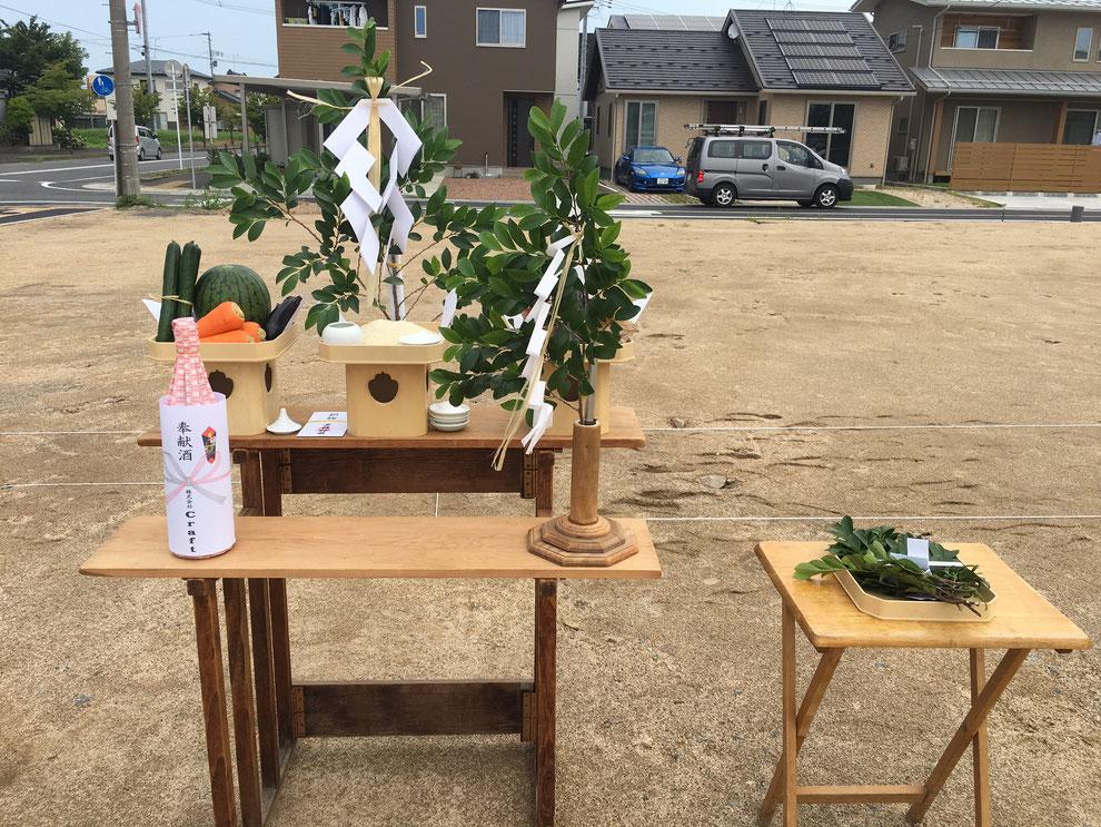 地鎮祭 祭壇の様子 奉献酒 榊