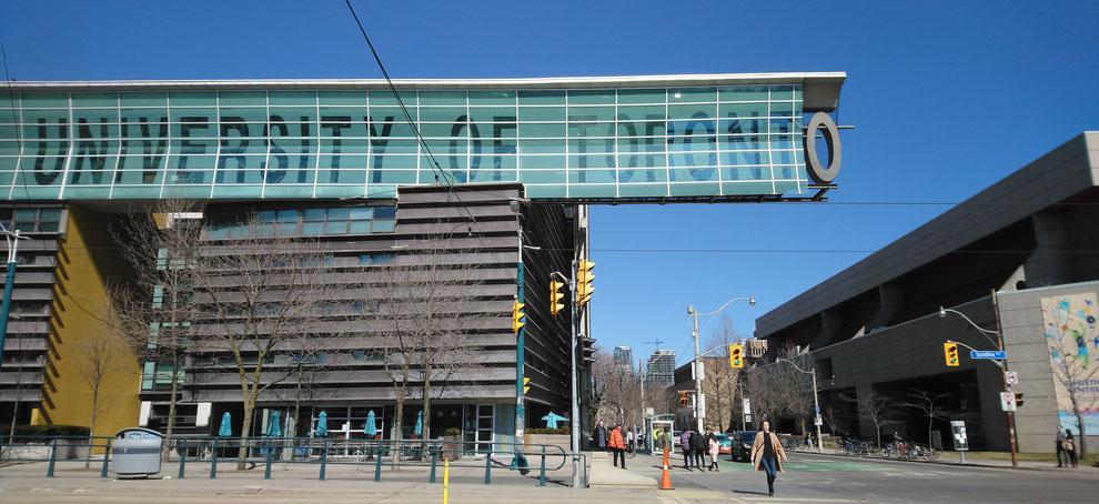 カナダトロントに位置するMetropolitan Academy of English