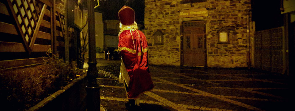 Der Nikolaus kommt jedes Jahr zum Ahrweiler Weihnachtsmarkt zurück... Die Öffnungszeiten bieten jedem den richtigen Zeitpunkt für einen Besuch.