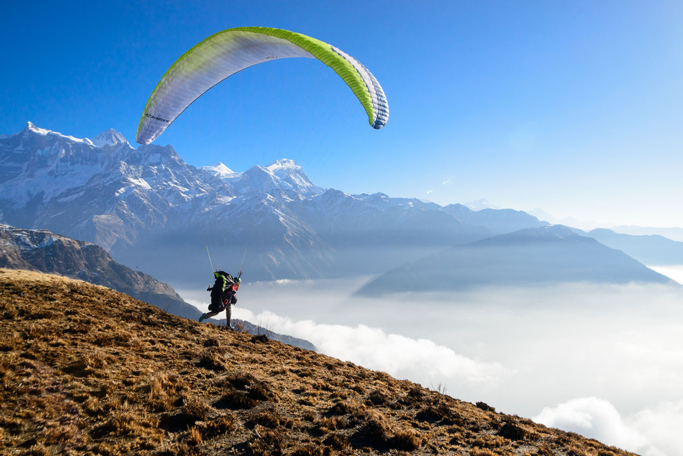 Rebecca Bredehoft. Becca Bredehoft. Paragliding.