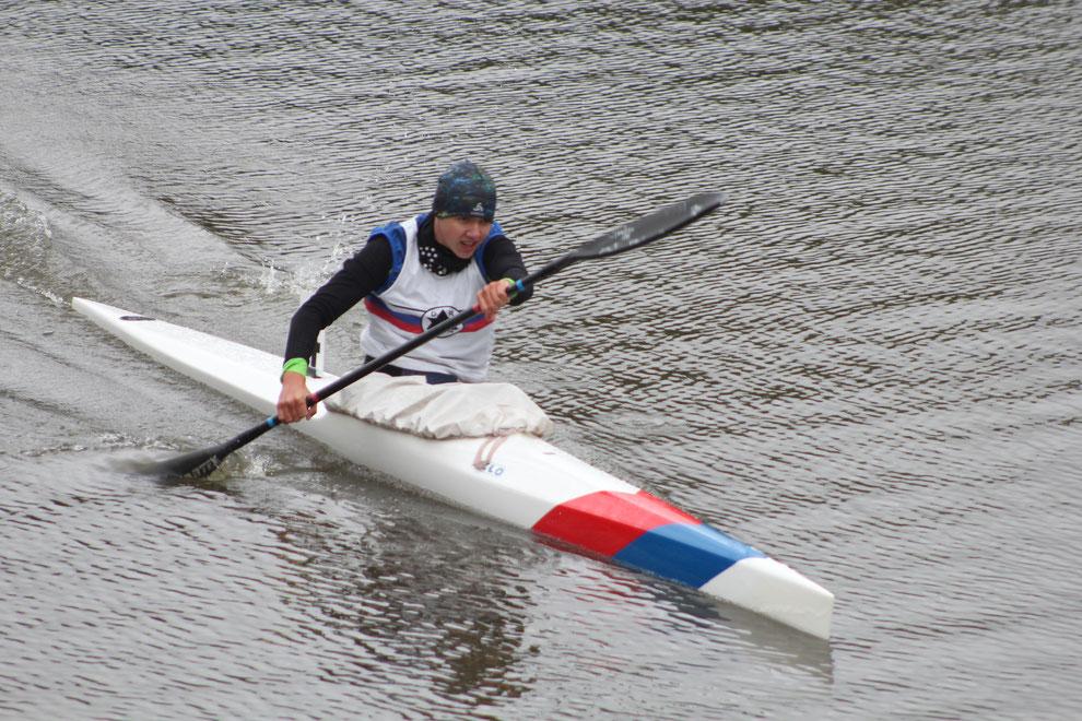 Das 14-jährige Kanutalent Vincent Hoiß fuhr über 2000 Meter die schnellste Zeit aller Teilnehmer. Foto: Hans-Joachim Hirsch