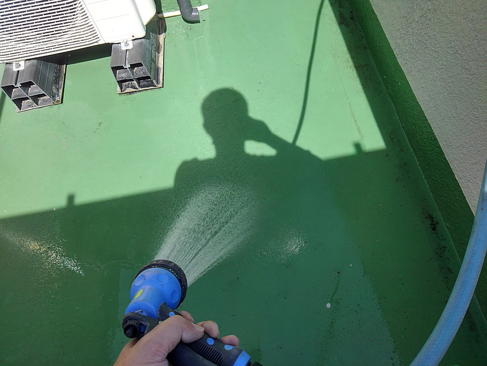伊丹市で雨漏り調査を行いました。