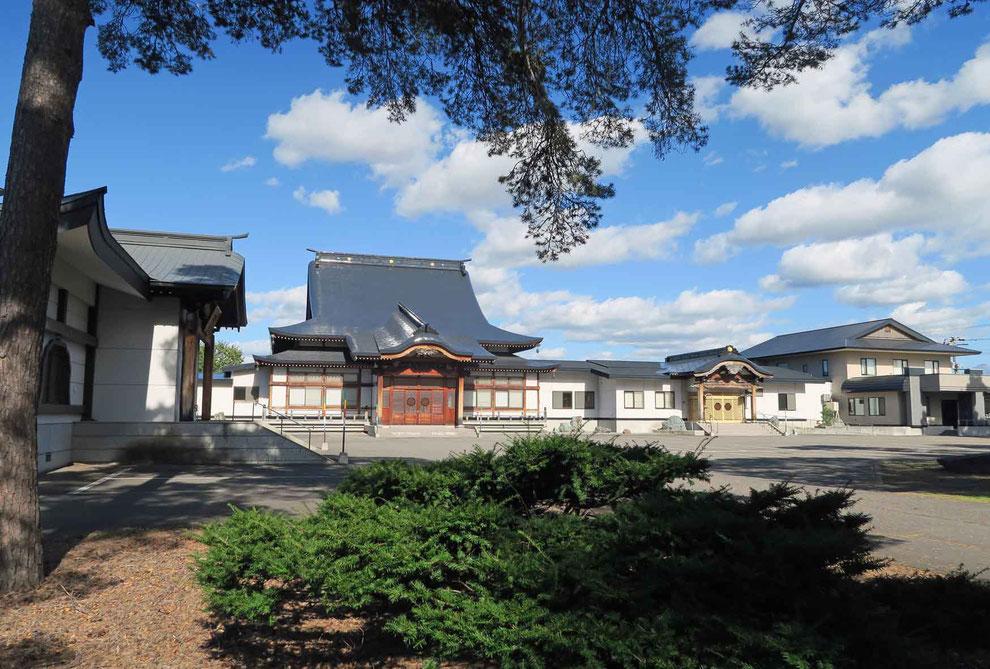 東川寺前景
