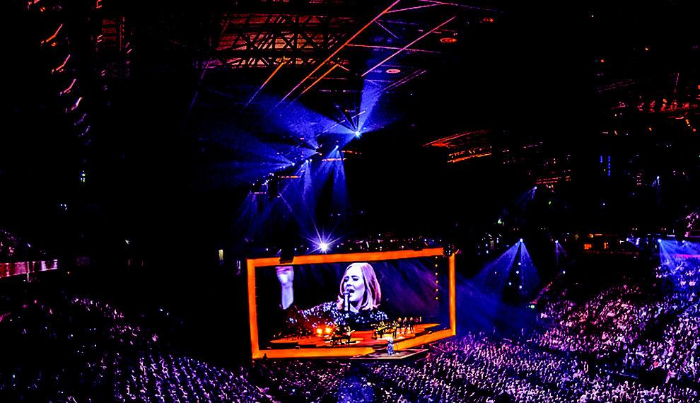 Kettenzug-Funkfernsteuerung von Movecat - für den weltweiten Einsatz geeignet - mit Adele auf Welttournee