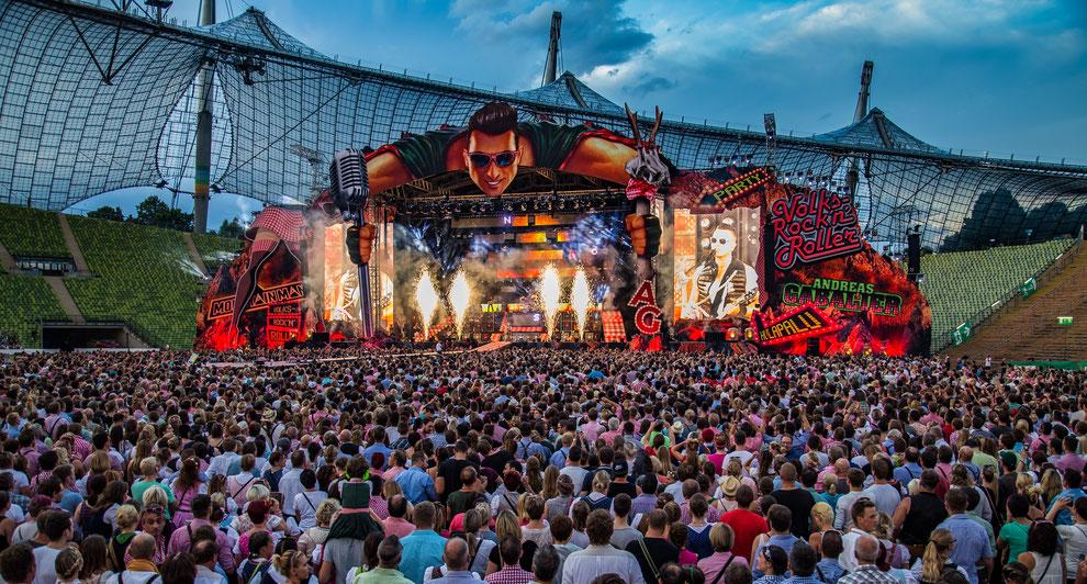Andreas Gabalier will auch 2017 das Münchener Olympiastadion rocken - mit Bühnentechnik von Movecat