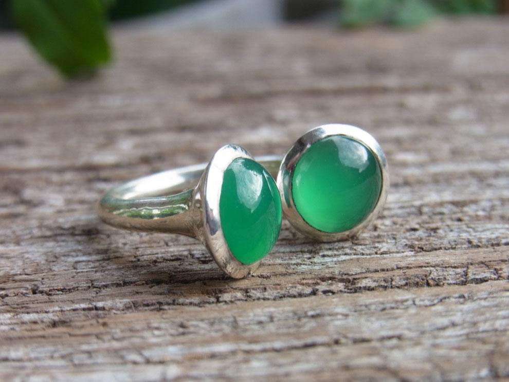 Silberring mit zwei grünen runden Onyx Cabochon Steinen