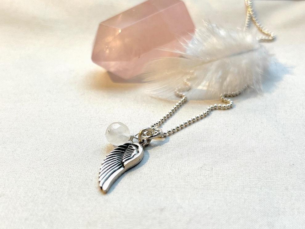 Silberkette mit Flügel Anhänger und Rosenquarz Perle
