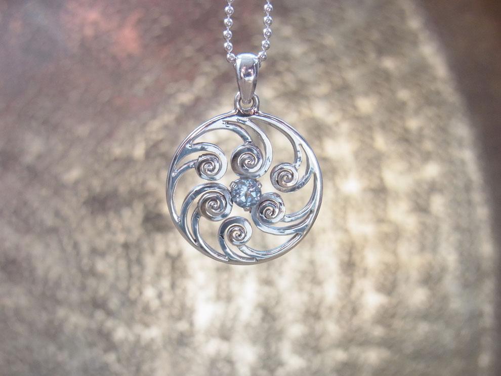 Silberkette mit Spirale Anhänger aus Silber und Blautopas