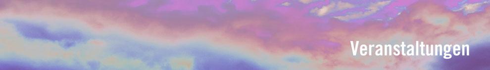 Bild: verfremdeter Wolkenhimmel