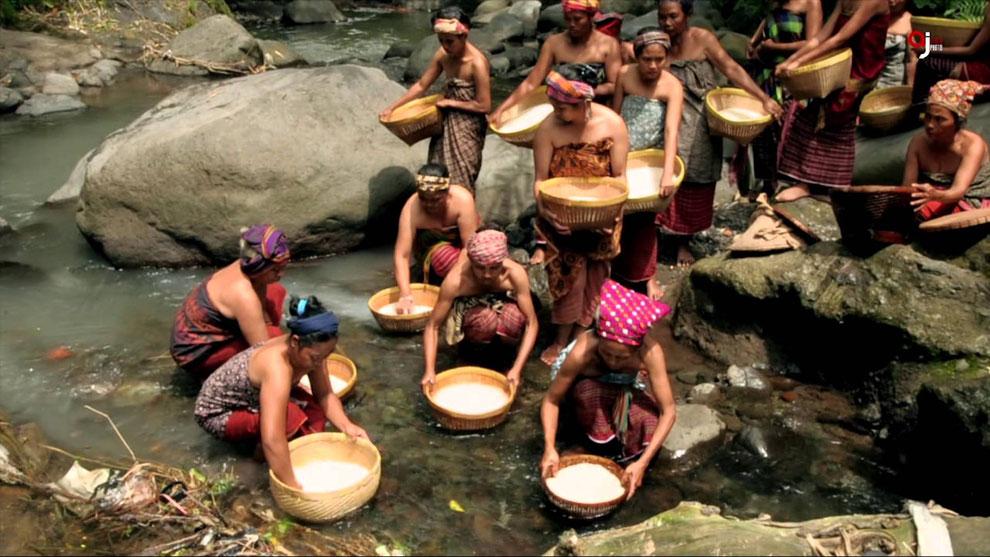 Bisok beras, cuci beras, tradisi lombok utara