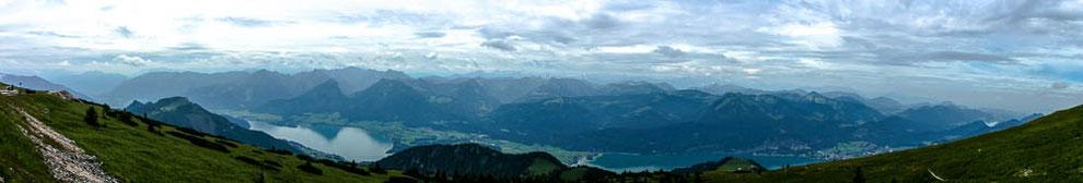 Blick über den Wolfgangsee u.a. zum Dachstein