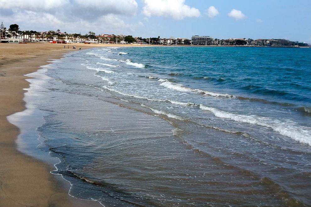 Regenpause. Am Strand von Cambrils